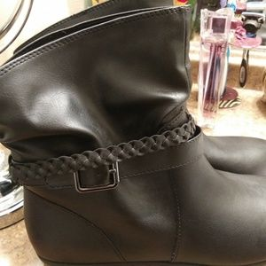 Size 11 american eagle boots like new